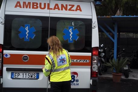 Scontro con auto polizia,morto a Palermo