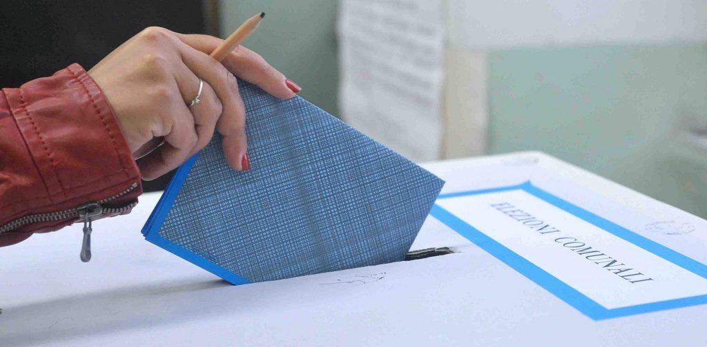 Affluenza alle urne a Palermo ha votato alle 12 il 14,91% degli elettori
