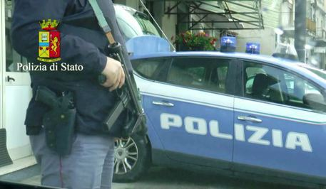 Accoltella madre in preda a raptus, arrestato