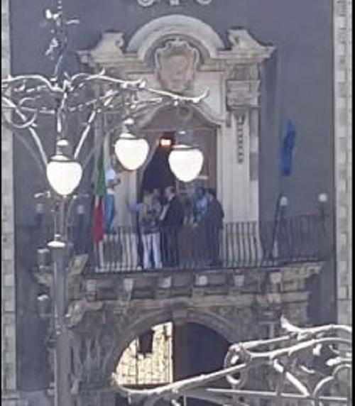 Catania/ Minaccia di lanciarsi dal balcone della Ragioneria del Comune