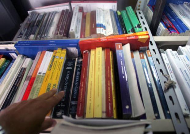 Scuola: almeno 950 euro spesa a studente