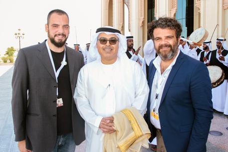 Teatro: la tradizione dei pupi siciliani negli Emirati Arabi