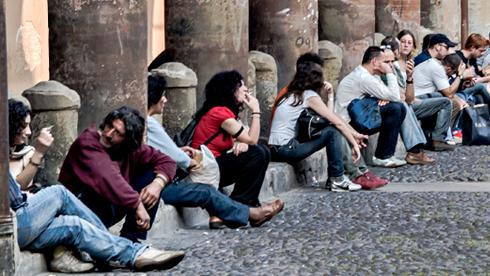 Giovani siciliani a rischio esclusione sociale, il 40% sono 'neet'