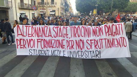 Protesta studenti scuole-ateneo Palermo