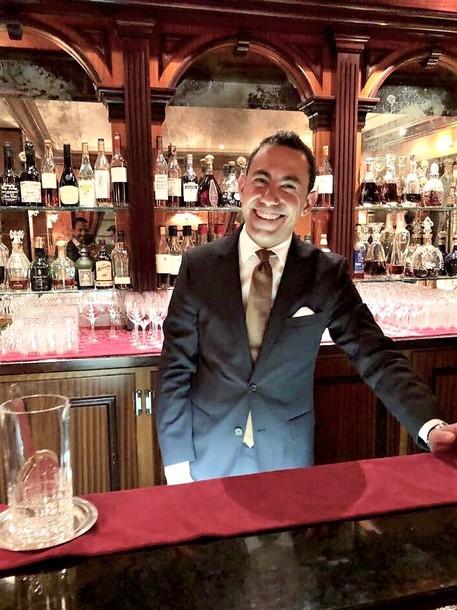 Barman etneo a Hotel Paris di Montecarlo