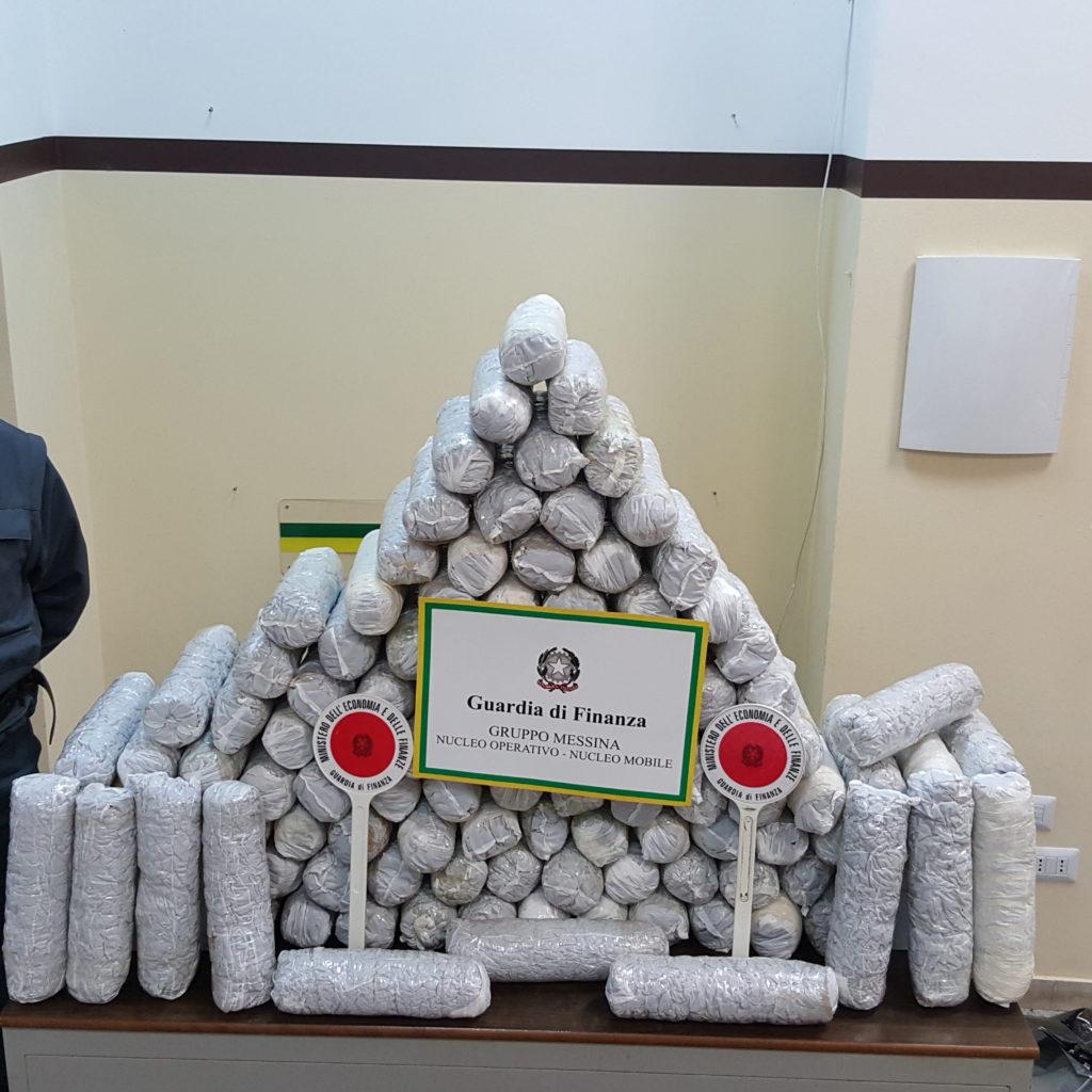 """Messina. Arrestato corriere della droga. Sequestrati più di 56 chili di """"marijuana"""""""