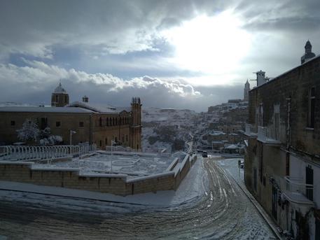 Maltempo: gelo e neve al sud