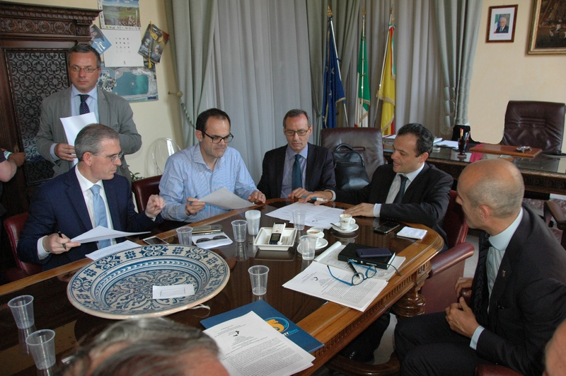 Messina/siglato il protocollo d'intesa per la continuità territoriale e per il collegamento estivo tra le isole Eolie e l'aeroporto dello Stretto