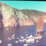 """Cento barche per lo """"Sposalizio dei faraglioni"""" alle Eolie"""