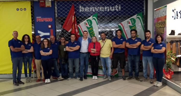 Milazzo, il gruppo Papino licenzia, protesta dei lavoratori