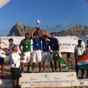 I VINCITORI DEL CAMPIONATO MONDIALE STUDENTESCO DI BEACH VOLLEY