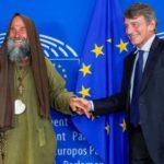 Fratel Biagio a Bruxelles per parlare di diritti umani  dopo oltre 1500 km percorsi a piedi