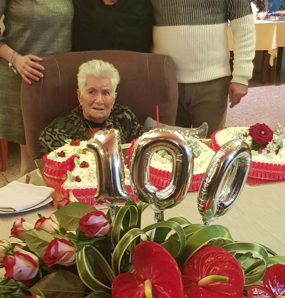 Tommasa Sciotto di San Filippo del Mela festeggia il secolo di vita!