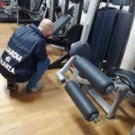 Palermo/Contraffazione: Gdf scopre attrezzi per il fitness taroccati