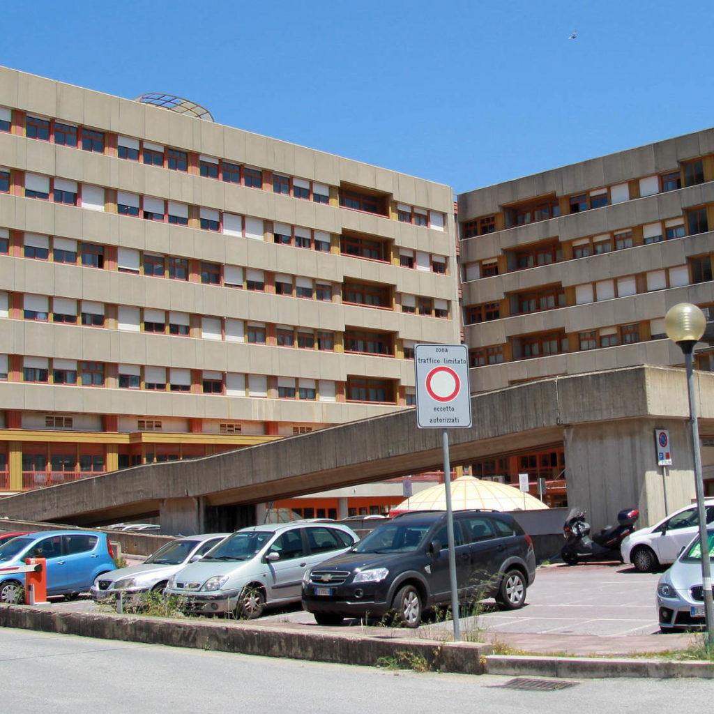 L'Arcidiocesi di Messina-Lipari-Santa Lucia del Mela dona al Papardo un ventilatore per l'emergenza coronavirus.