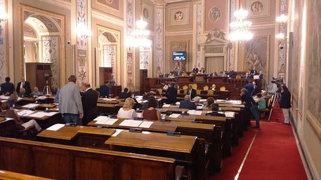 Sicilia: manovra slitta a 1 maggio