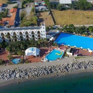 """Prova a ripartire il turismo in Sicilia. L'esempio della """"Playa"""" di Patti"""
