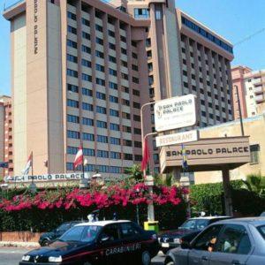 Migrante positivo a covid lascia hotel a Palermo. Poi rientra