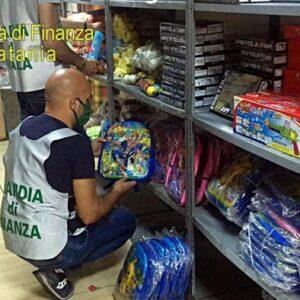 Falsi: Gdf Catania sequestra 90mila articoli, una denuncia